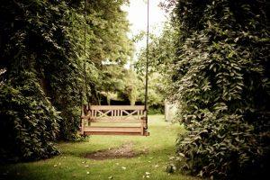 Aranżacja ogrodu przydomowego tanim kosztem